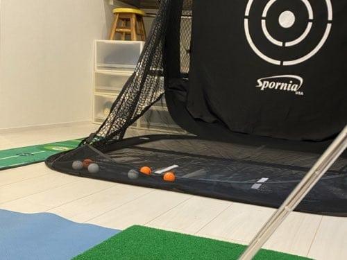ボールを受け止めるSpornia ゴルフ練習用ネット